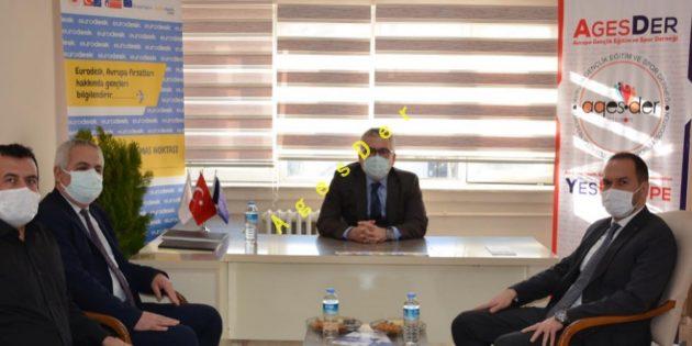 Valimiz ve Belediye Başkanımız Derneğimizi Ziyaret Ettiler